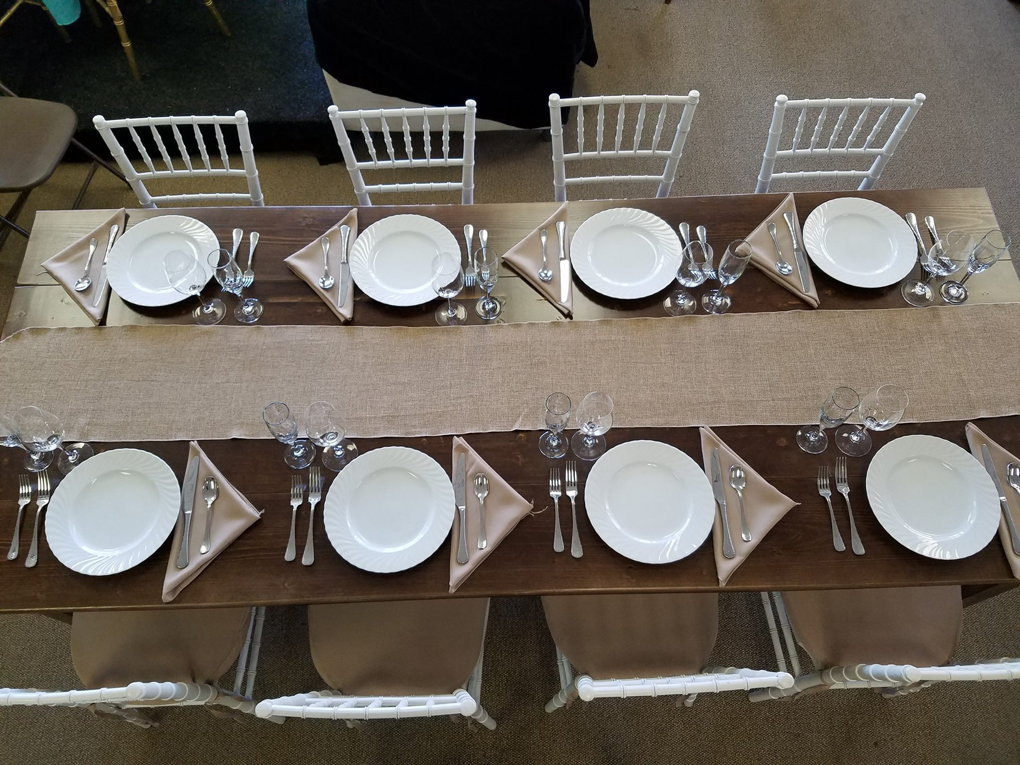 Farm Table Tablesetting